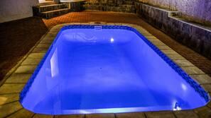 야외 수영장, 수영장 파라솔