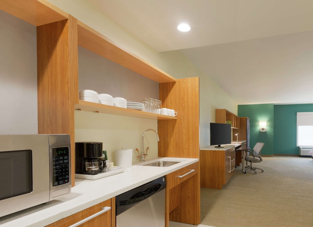 Private Kitchen, Home2 Suites by Hilton Tallahassee State Capitol