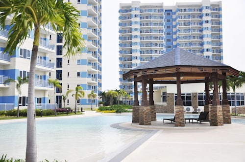 Mactan Seaside Apartments
