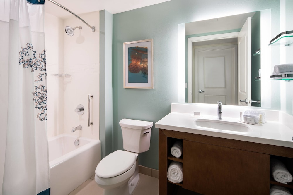Bathroom, Residence Inn by Marriott Maui Wailea