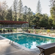 Morrison's Rogue River Lodge
