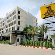 Grand Ratchapruek Hotel