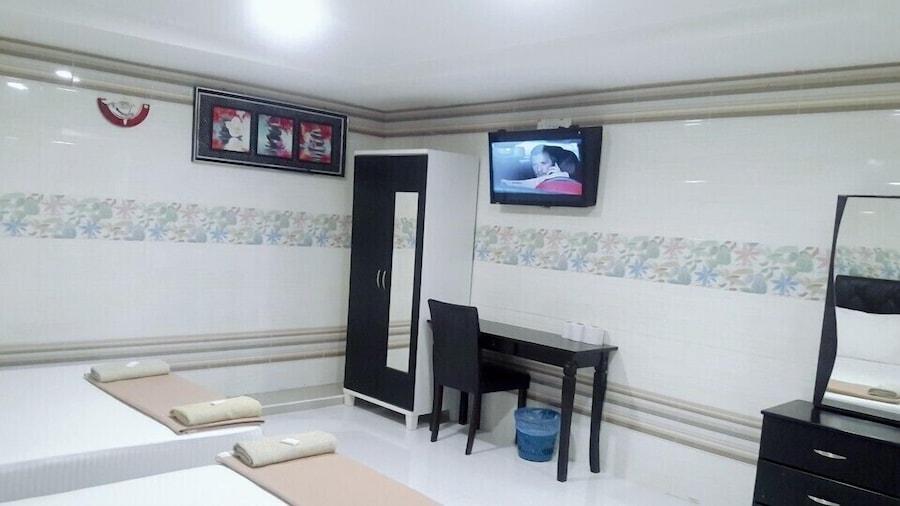 Kota Damansara Business Hotel