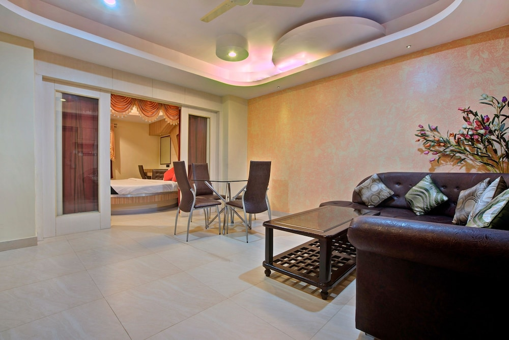 Room, Capital O 1585 Hotel Palash Residency