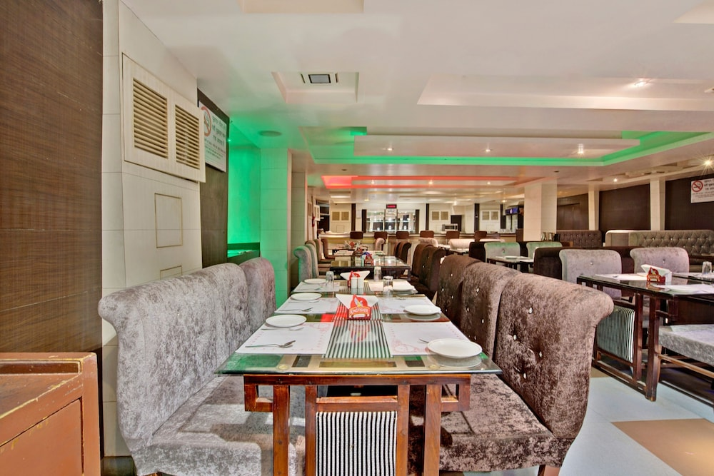 Restaurant, Capital O 1585 Hotel Palash Residency