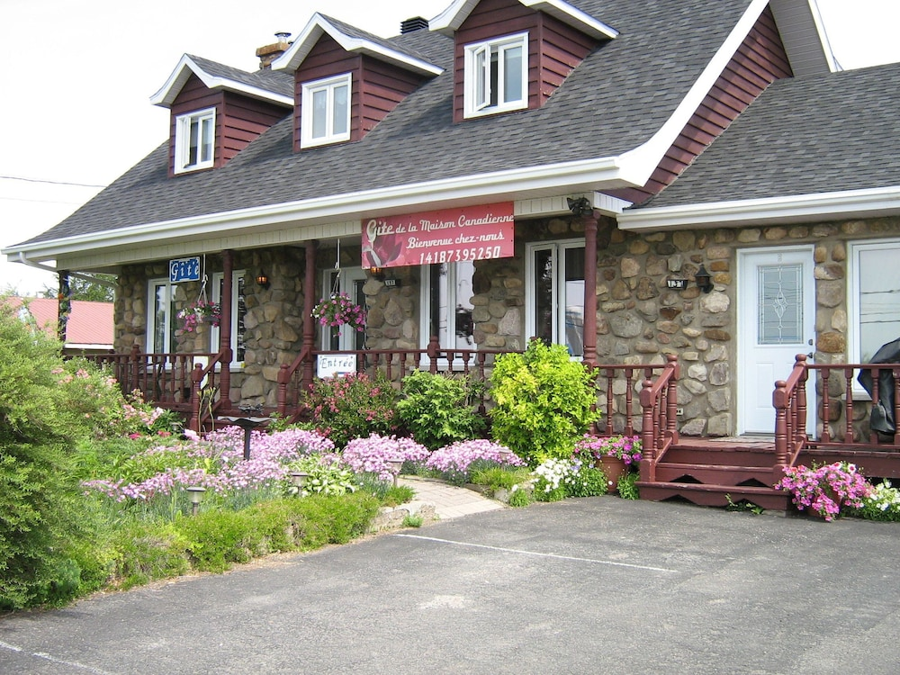 Gîte de la Maison Canadienne Deals & Reviews (Rimouski, CAN) | Wotif