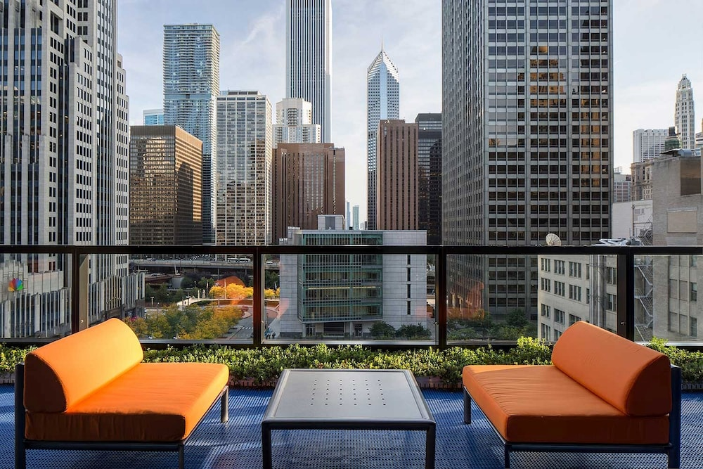 Corporate suites in the heart of magnificent mile in for Luxury hotels in chicago magnificent mile