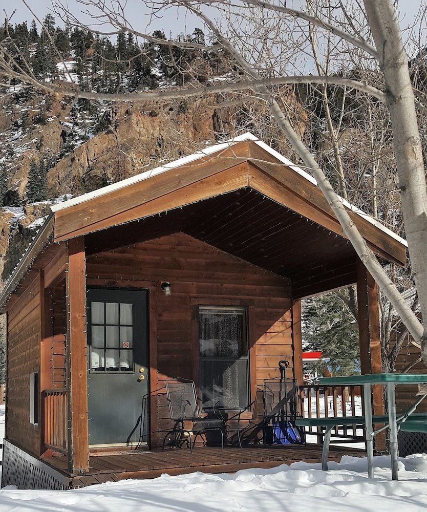 Ouray rv park cabins reviews photos rates for Cooper s cabin park city