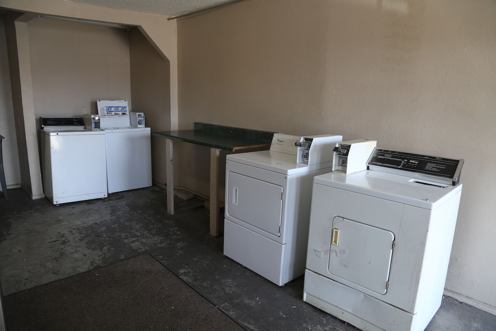 Laundry Room, Sherman Inn
