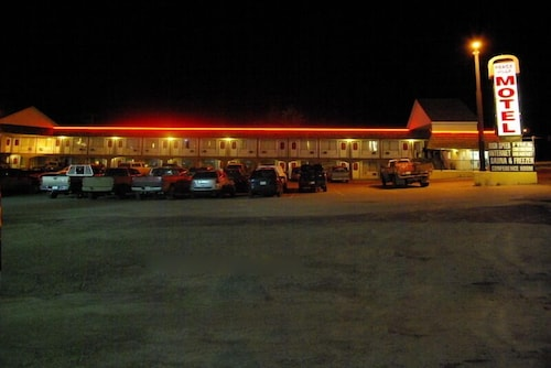 Front of Property - Evening/Night, Peace Villa Motel