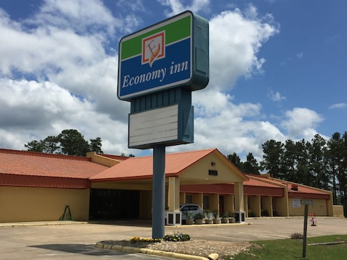 Great Place to stay Economy Inn near Livingston