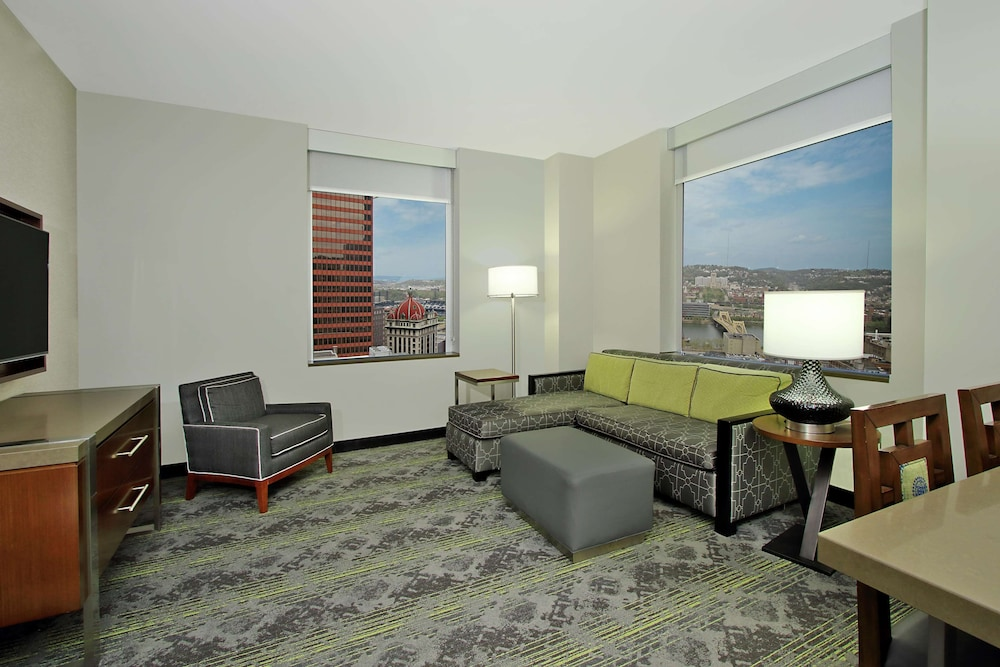 Living Area, Embassy Suites By Hilton Pittsburgh Downtown