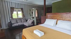 2 bedrooms, linens