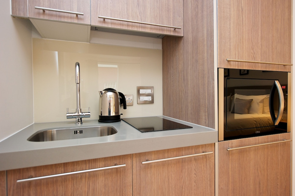 Private Kitchenette, Staycity Aparthotels Birmingham Central Newhall Square