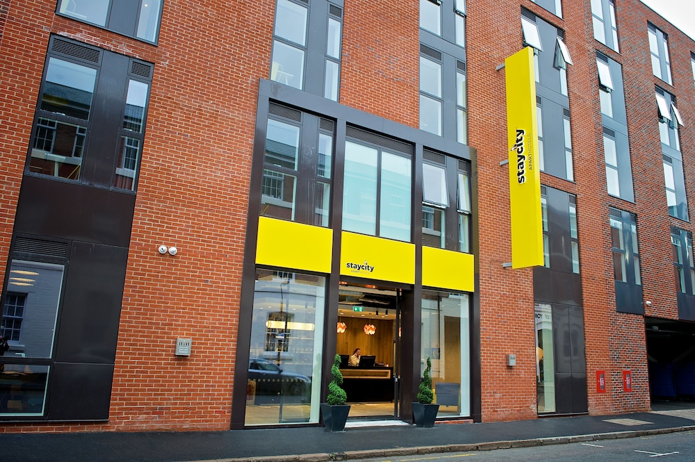 Property Entrance, Staycity Aparthotels Birmingham Central Newhall Square