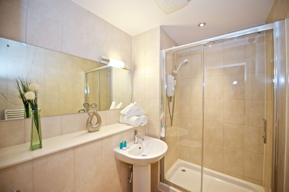 Bathroom, Staycity Aparthotels Birmingham Central Newhall Square