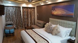 1 soverom, sengetøy av topp kvalitet, minibar og safe på rommet