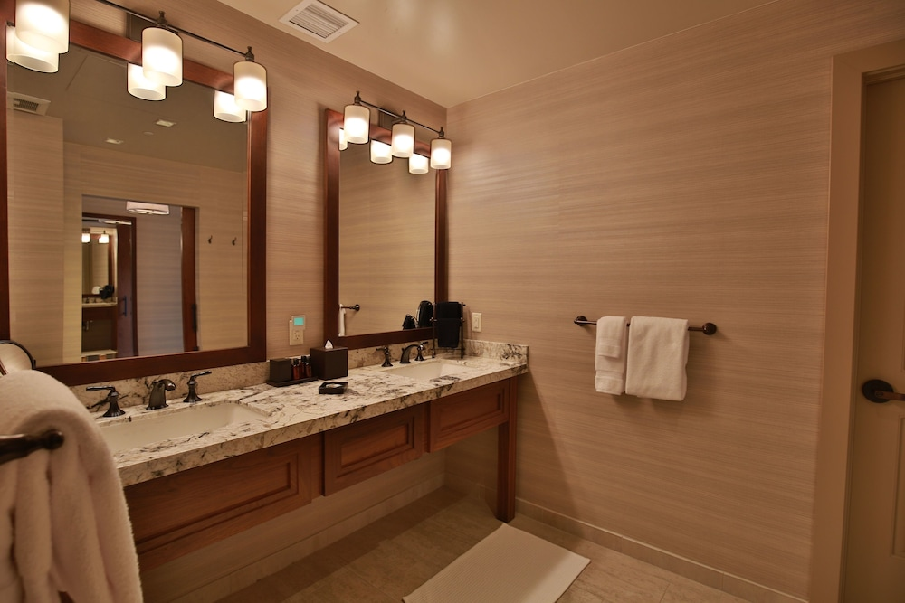 Bathroom, Vintners Resort