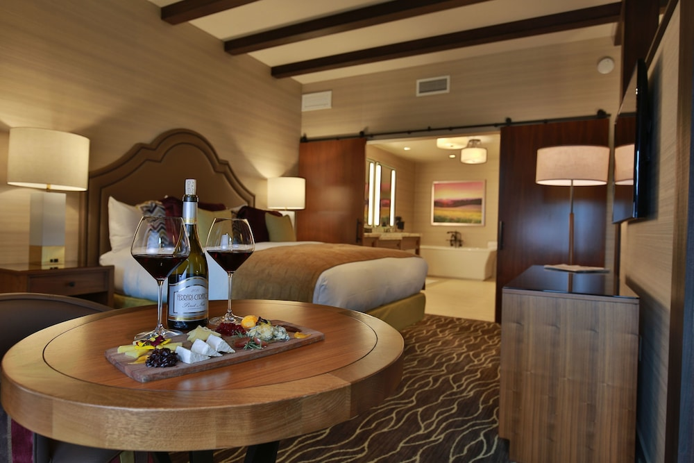 Room, Vintners Resort