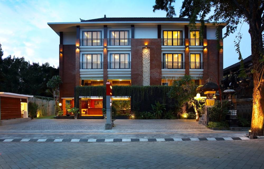 Book grand mirah boutique hotel denpasar idn bali for Boutique hotel bali