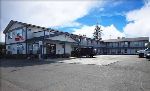 Great Place to stay Imperial Motel near 100 Mile House