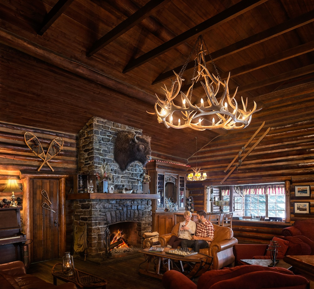 Interior, Storm Mountain Lodge Cabins & Dining