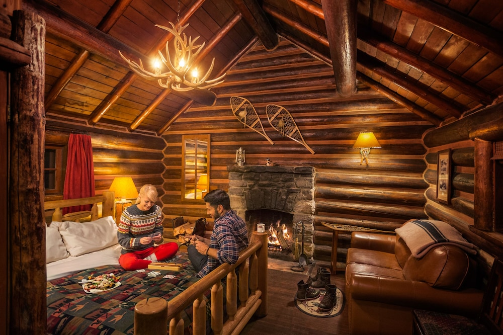 Featured Image, Storm Mountain Lodge Cabins & Dining