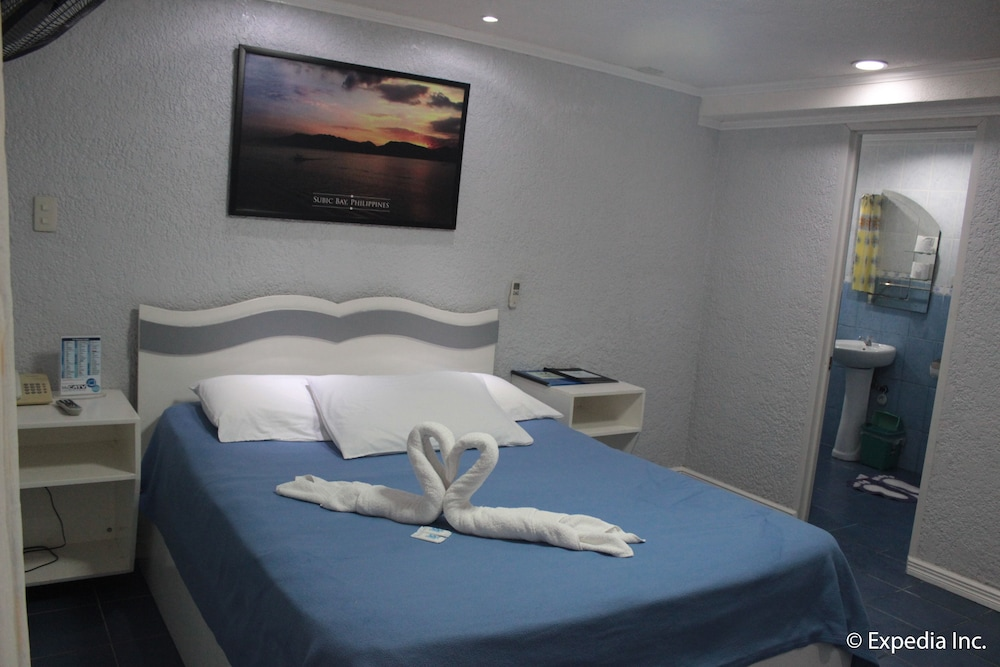 Room, Blue Rock Beach Resort