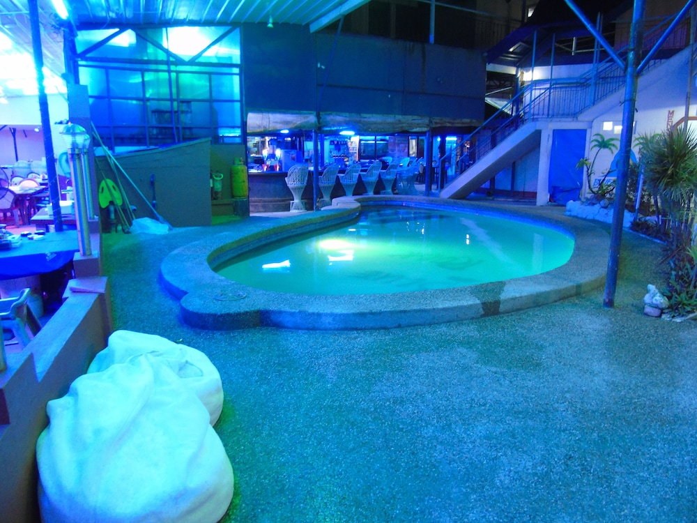 Indoor Pool, Blue Rock Beach Resort