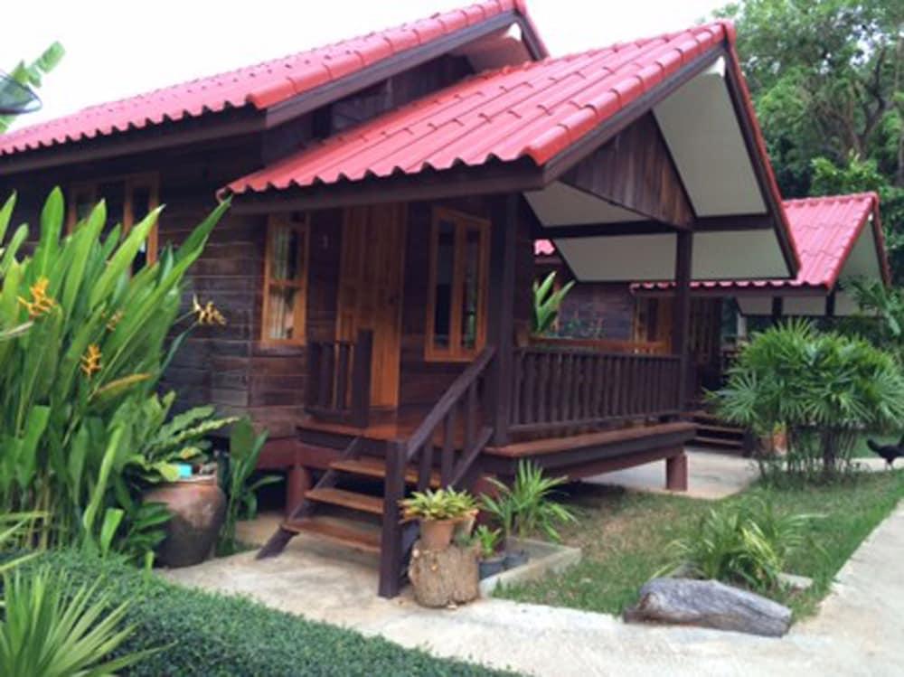 Ban Chom Samed Resort Deals & Reviews (Rayong, THA) | Wotif