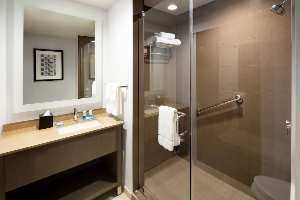 Bathroom, Hyatt House Dallas/Frisco