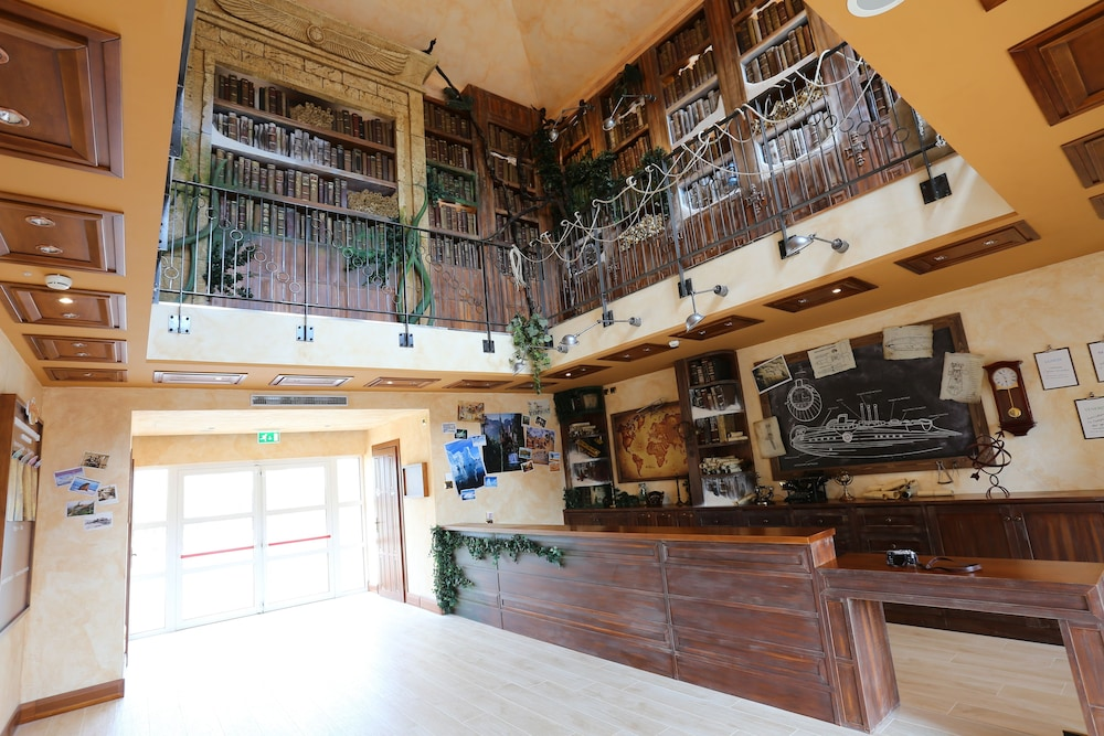 Gardaland Adventure Hotel (Castelnuovo del Garda, Italia) | Expedia.it