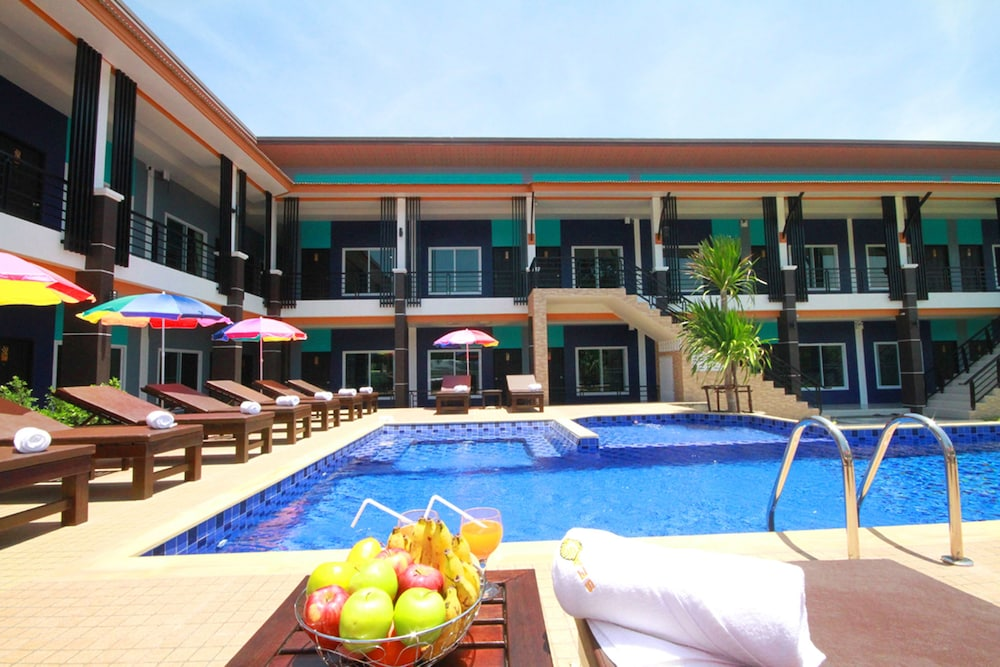 Outdoor Pool, Seashell Resort Krabi