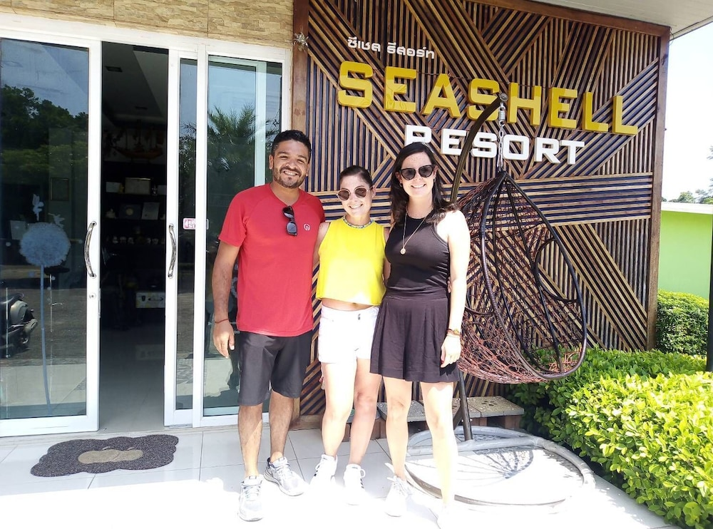 Front of Property, Seashell Resort Krabi