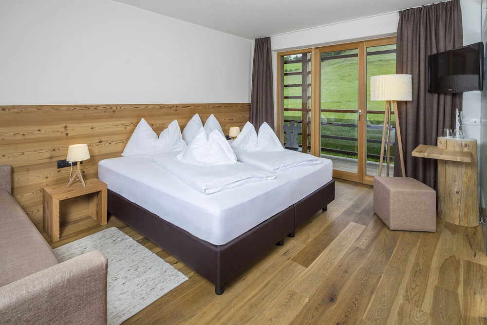 Hotel Arvina Booking