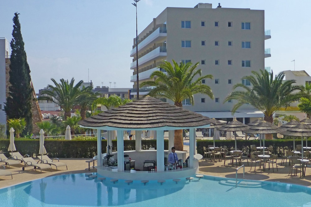 Sunrise Gardens Deals & Reviews (Larnaca, CYP) | Wotif