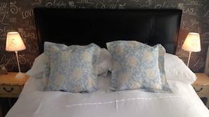 1 soveværelse, minibar, strygejern/strygebræt
