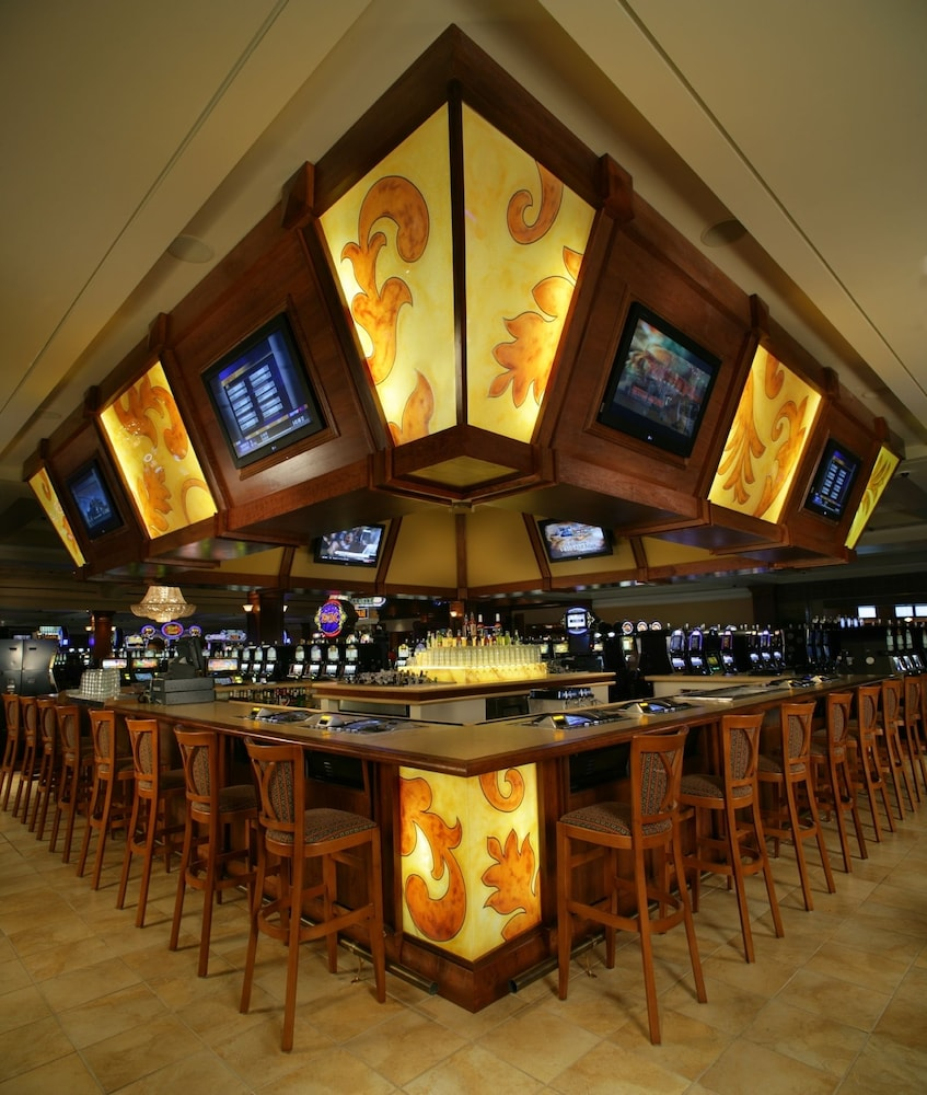 Bar, Silver Slipper Casino Hotel