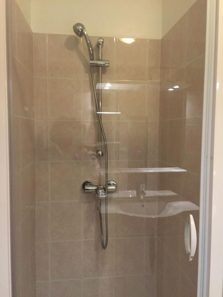 Appartement super croisette cannes hotelbewertungen - Dusche im schlafzimmer ...