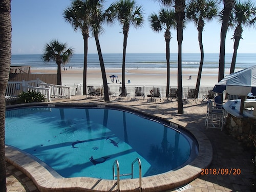 Flamingo Inn Beachfront (USA 12693839 3.9) photo