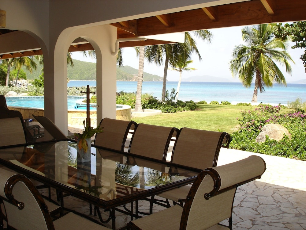 Family Dining, Sea Palms Luxury 4 bedroom Villa