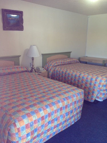 Great Place to stay Hacienda Motel near San Jacinto