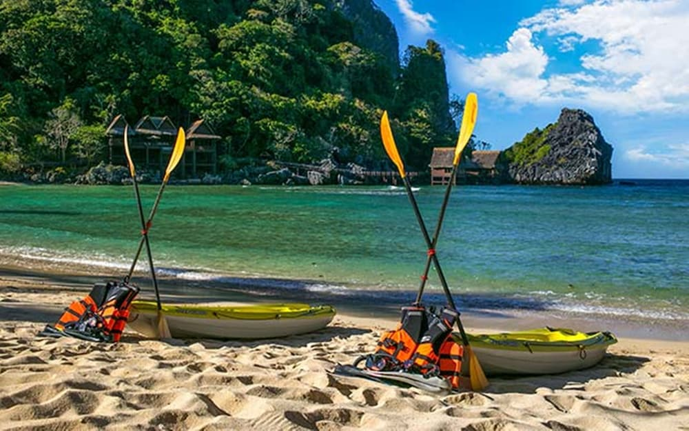 Kayaking, Cauayan Island Resort