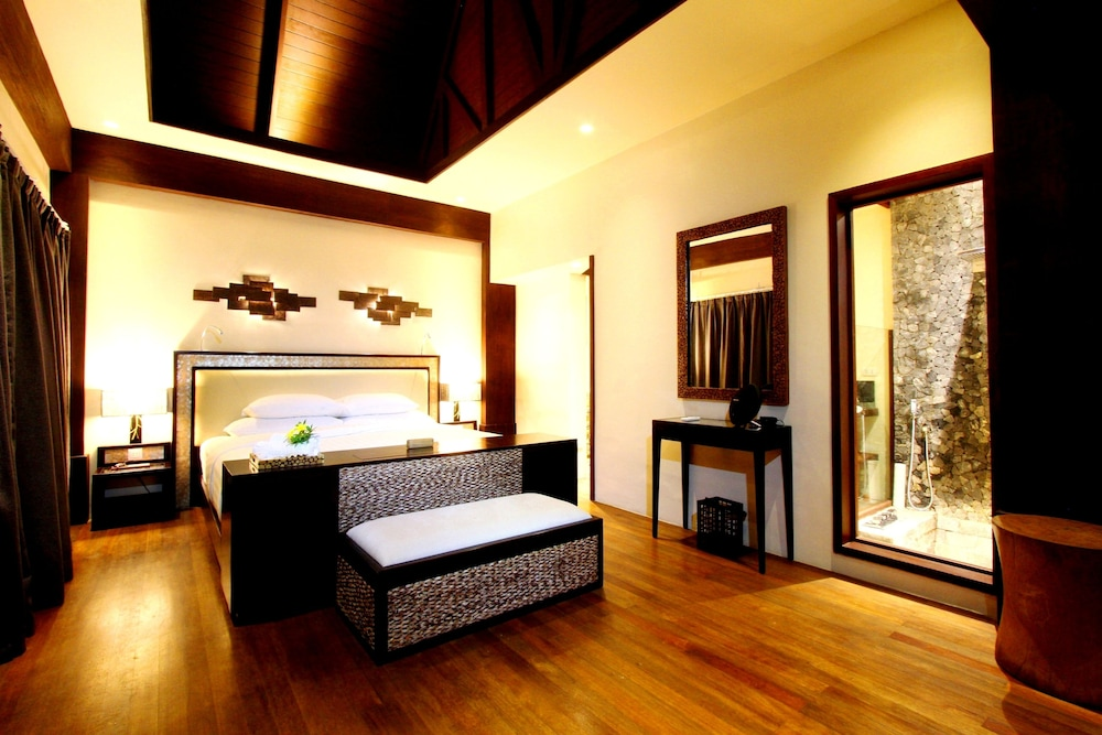 Room, Cauayan Island Resort
