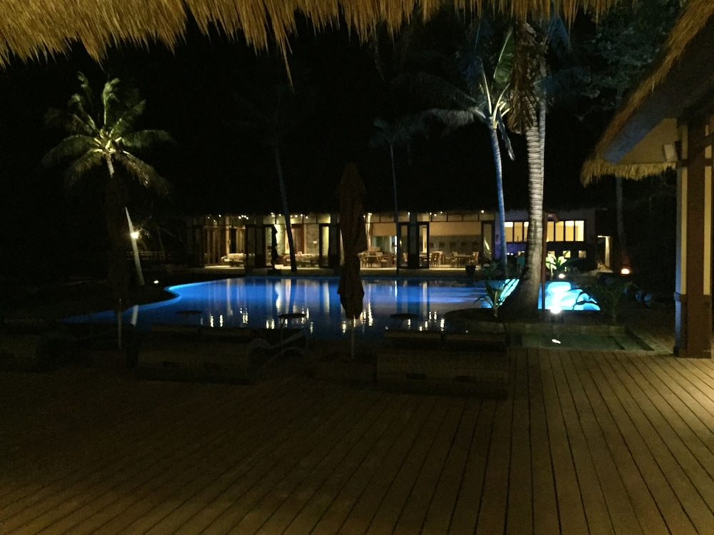 Outdoor Pool, Cauayan Island Resort