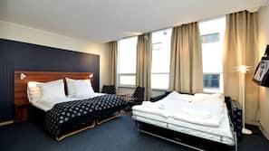 Sengetøy av topp kvalitet, skrivebord, wi-fi (inkludert) og sengetøy