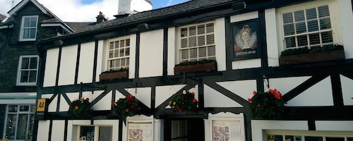 The Queen's Head Inn and Restaurant