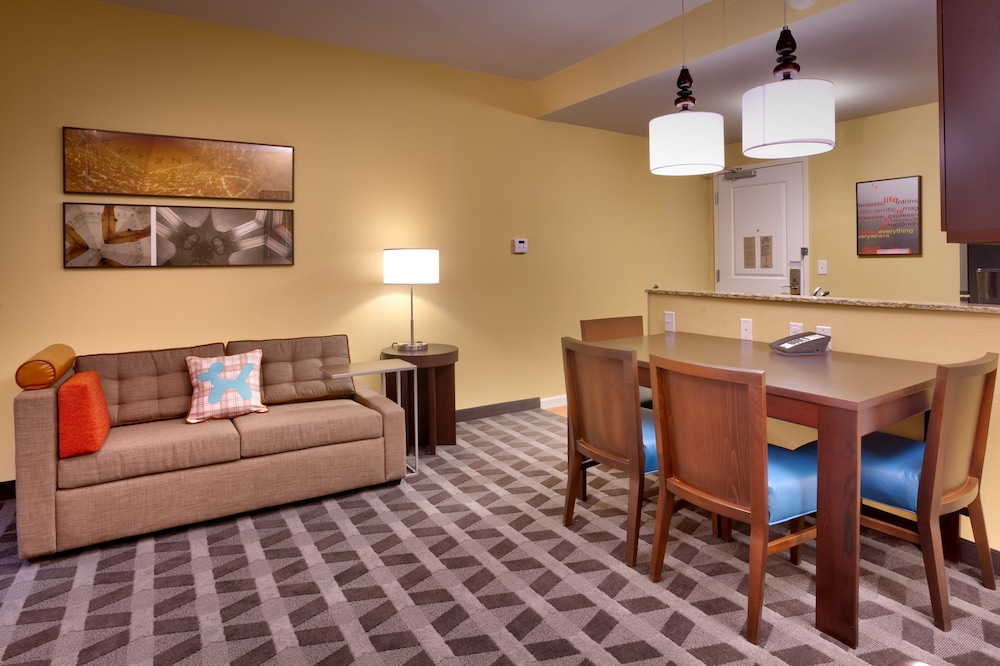Living Room, TownePlace Suites by Marriott Dickinson