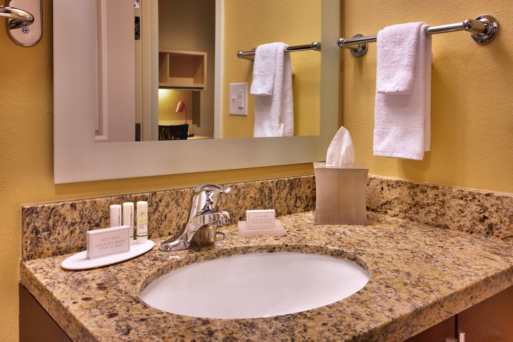 Bathroom, TownePlace Suites by Marriott Dickinson