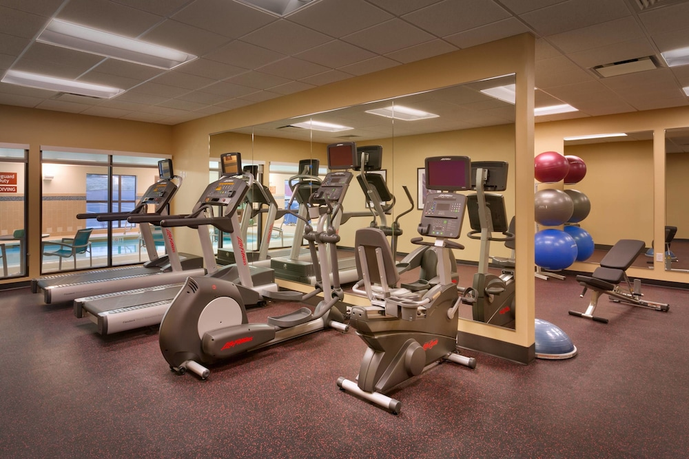 Sports Facility, TownePlace Suites by Marriott Dickinson